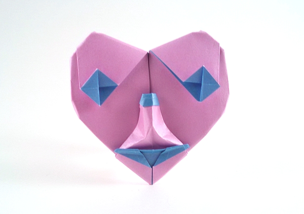 Origami Heart of a clown by Gilad Aharoni folded by Gilad Aharoni