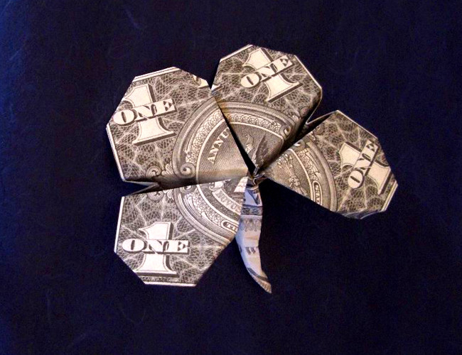 Origami Four-leaf clover by Jodi Fukumoto folded by Gilad Aharoni