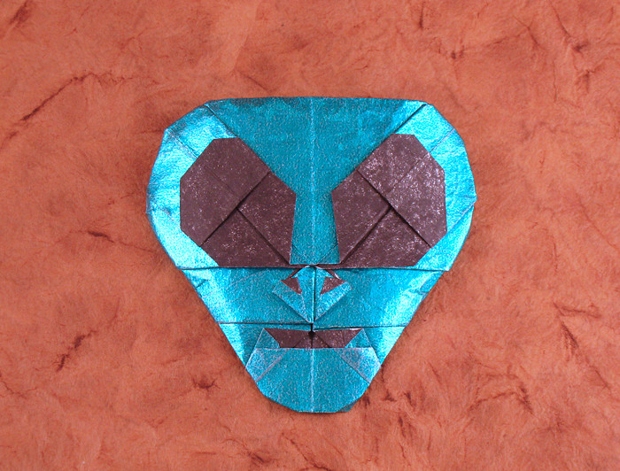 Origami Alien mask by Quentin Trollip folded by Gilad Aharoni