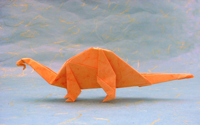 Origami Apatosaurus by Steve Biddle folded by Gilad Aharoni