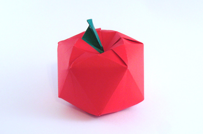 Origami Apple by Fujimoto Shuzo folded by Gilad Aharoni on giladorigami.com
