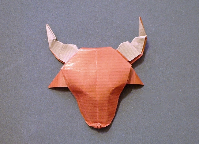 Origami Bull's head by Alfredo Giunta Folded from a square of Kraft origami paper by Gilad Aharoni on giladorigami.com