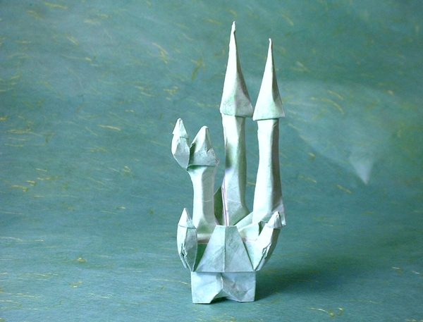 Origami Fairy-tale castle by Eran Leiserowitz folded by Gilad Aharoni