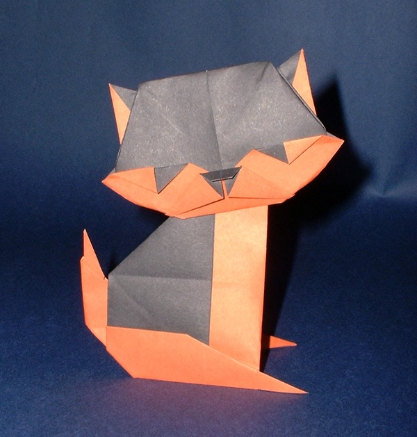 Origami Cat - head shaking by Taichiro Hasegawa folded by Gilad Aharoni