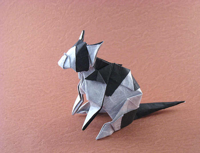 Origami Cat herr by Fumiaki Kawahata Folded from a square of duo Unryu paper by Gilad Aharoni on giladorigami.com