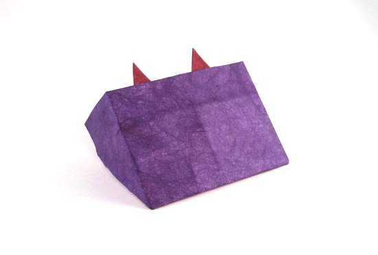 Origami Cat in a box by Nick Robinson folded by Gilad Aharoni on giladorigami.com