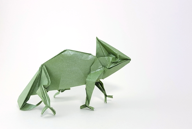 Origami Chameleon by Yoo Tae Yong Folded from a square of Nicolas Terry's tissue-foil by Gilad Aharoni on giladorigami.com