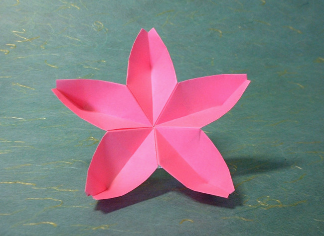 Origami Cherry blossom (linked) by Toshikazu Kawasaki folded by Gilad Aharoni on giladorigami.com