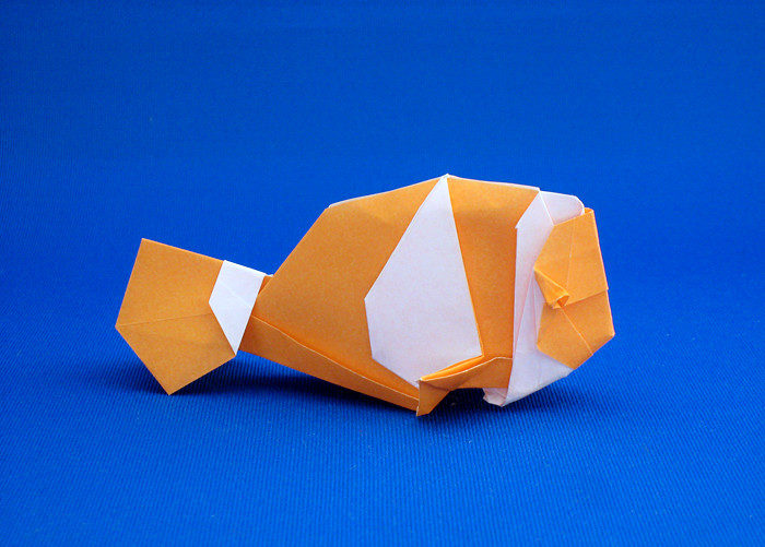 Origami Clownfish by Katrin Shumakov folded by Gilad Aharoni