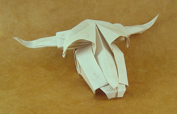 Origami Cow's skull by Roman Diaz folded by Gilad Aharoni on giladorigami.com