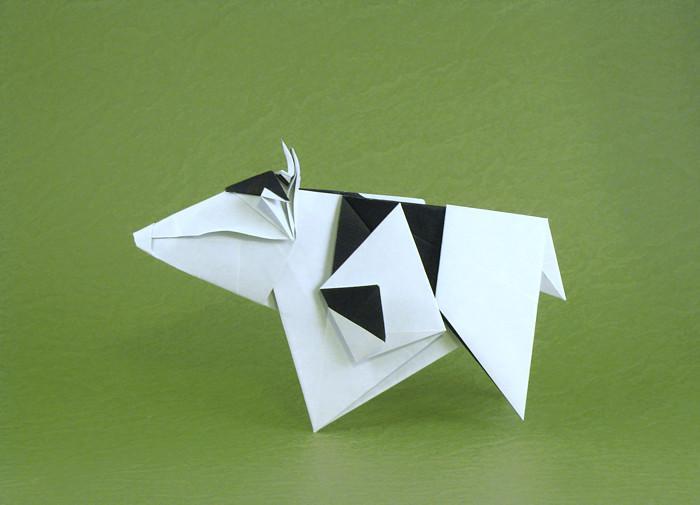 Cow By Gen Hagiwara
