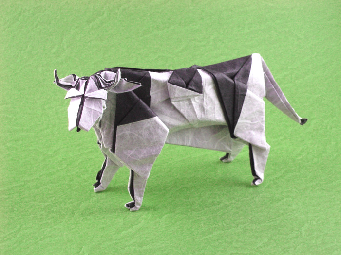 Origami Cow by Miyajima Noboru Folded from a square of double-sided Unryu paper by Gilad Aharoni on giladorigami.com