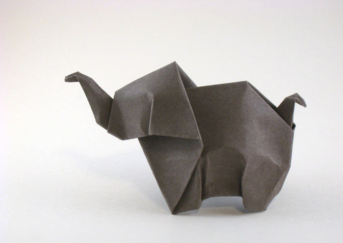 31 Origami Elephants to Fold for the #ElephantOrigamiChallenge | 497x700
