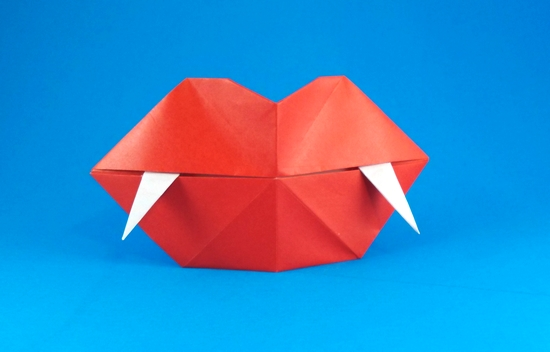 Origami Fangs by Steve Biddle folded by Gilad Aharoni on giladorigami.com