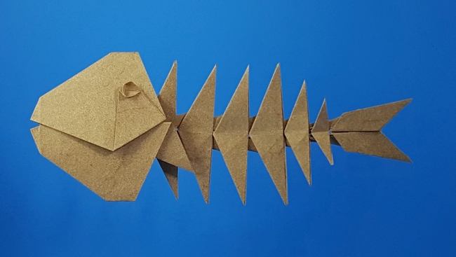 Origami Fish skeleton by Makoto Yamaguchi Folded from 8 squares of Elephant Hide by Gilad Aharoni on giladorigami.com