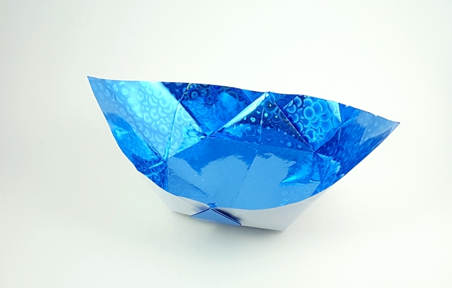 Origami Flood bowl by Nick Robinson folded by Gilad Aharoni on giladorigami.com