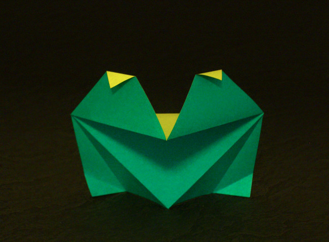 Origami Frog - ambitious by Kunihiko Kasahara folded by Gilad Aharoni on giladorigami.com