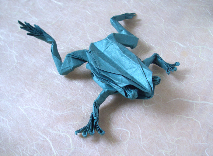 Origami Tree frog by Robert J. Lang Folded from a square of Origamido Frog Paper by Gilad Aharoni on giladorigami.com