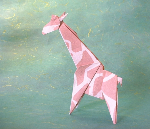 Origami Giraffe by Seiji Nishikawa folded by Gilad Aharoni on giladorigami.com