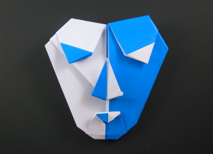 Origami Harlequin mask by Robert Neale folded by Gilad Aharoni