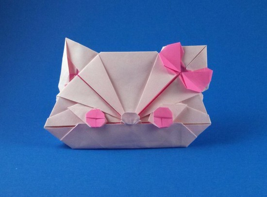 Origami Hello Kitty (Ribbon cat) by Matsui Erika folded by Gilad Aharoni