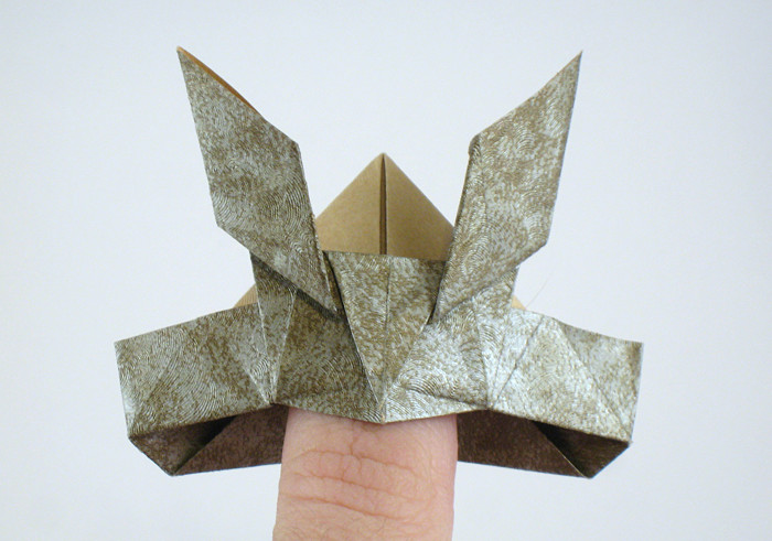 Origami Samurai helmet by Jun Maekawa folded by Gilad Aharoni