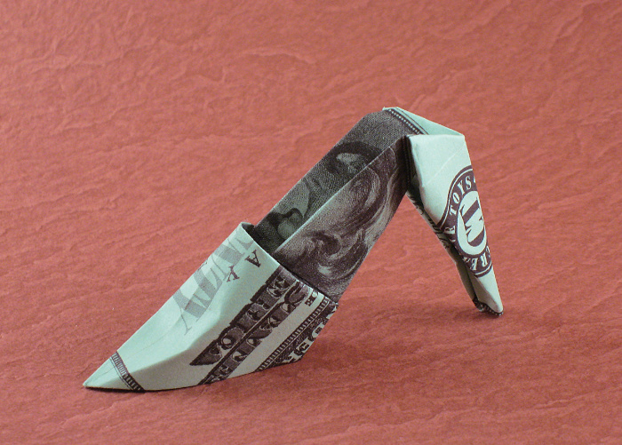Origami High heels by Makoto Yamaguchi Folded from a US dollar bill by Gilad Aharoni on giladorigami.com