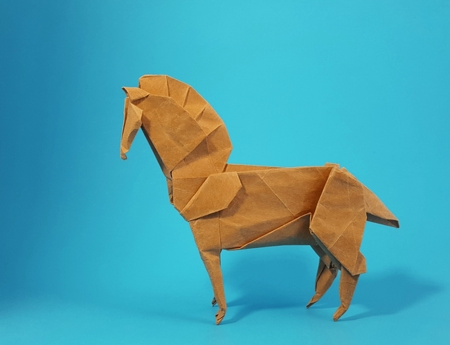 Origami Horse by Issei Yoshino folded by Gilad Aharoni on giladorigami.com