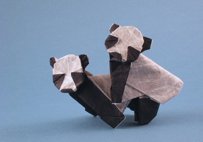 Origami Pandas - Twins by Yamada Katsuhisa folded by Gilad Aharoni on giladorigami.com