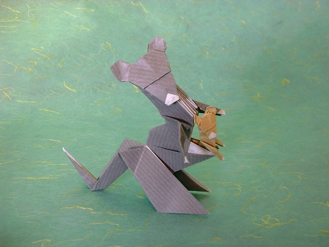 Origami Kangaroo by Seiji Nishikawa folded by Gilad Aharoni on giladorigami.com