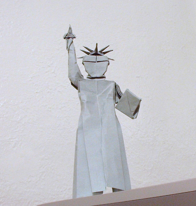 Origami Statue of Liberty by David Shall folded by Gilad Aharoni