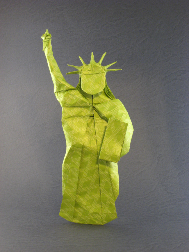 Origami Statue of Liberty by Quentin Trollip folded by Gilad Aharoni