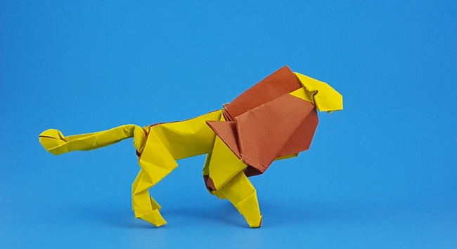 Origami Lion by Tom Defoirdt Folded from a square of duo origami paper by Gilad Aharoni on giladorigami.com