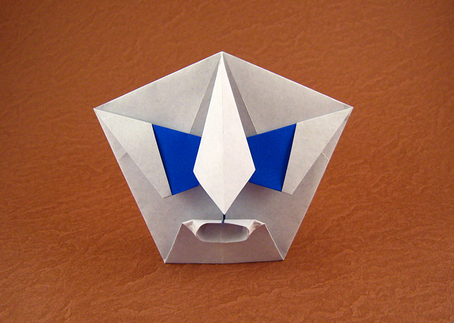 Origami Lurking man by Kunihiko Kasahara Folded from a square of origami paper by Gilad Aharoni on giladorigami.com