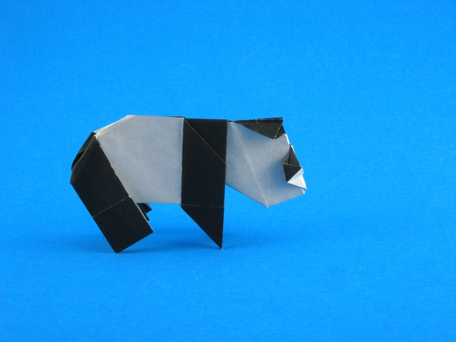 Origami Panda by Robert Harbin folded by Gilad Aharoni on giladorigami.com