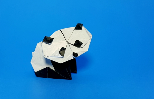 Origami Panda by Fumiaki Kawahata Folded from a square of origami paper by Gilad Aharoni on giladorigami.com
