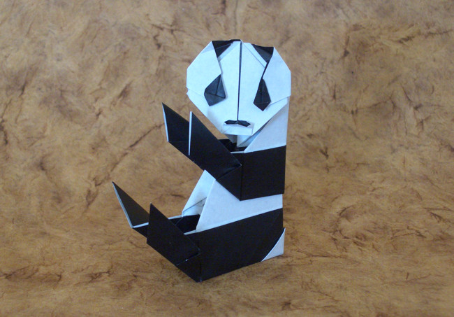 Origami Panda by Kawai Toyoaki Folded from 2 squares of origami paper by Gilad Aharoni on giladorigami.com