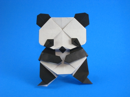 Origami Panda by Kumasaka Hiroshi Folded from 2 squares of origami paper by Gilad Aharoni on giladorigami.com