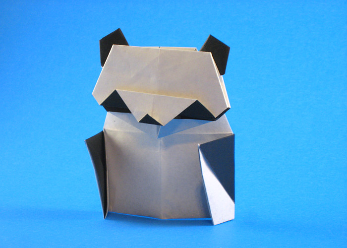 Origami Panda by Matsuno Yukihiko Folded from 2 squares of origami paper by Gilad Aharoni on giladorigami.com