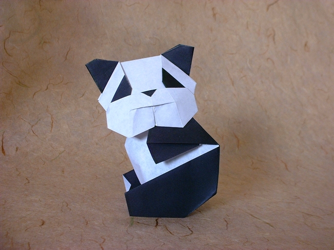 Origami Panda by Seiji Nishikawa Folded from 2 squares of origami paper by Gilad Aharoni on giladorigami.com