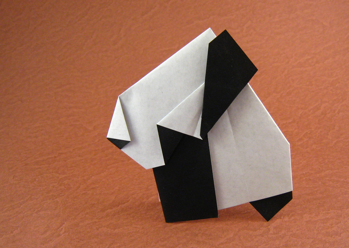 Origami Panda by Yamada Katsuhisa Folded from a square of origami paper by Gilad Aharoni on giladorigami.com