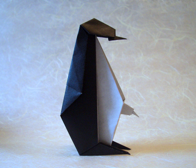 Origami Penguin with baby by Taichiro Hasegawa Folded from a square of origami paper by Gilad Aharoni on giladorigami.com