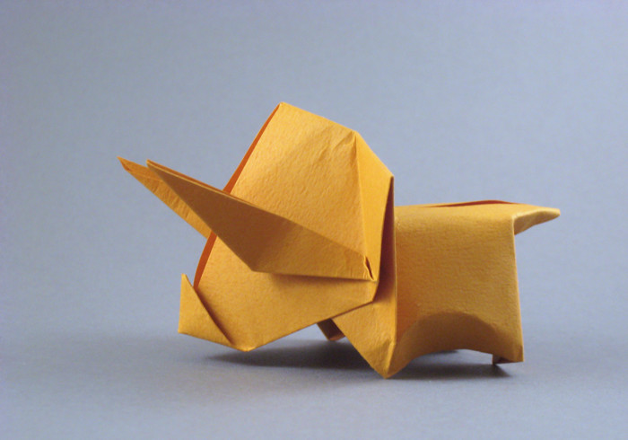 Origami Pettyceratops by Yoshihisha Kimura Folded from a square of Tant paper by Gilad Aharoni on giladorigami.com