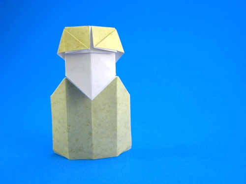Origami Polar Explorer by David Petty folded by Gilad Aharoni on giladorigami.com