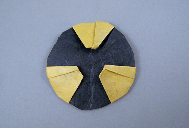 Origami Radioactive symbol by Quentin Trollip folded by Gilad Aharoni