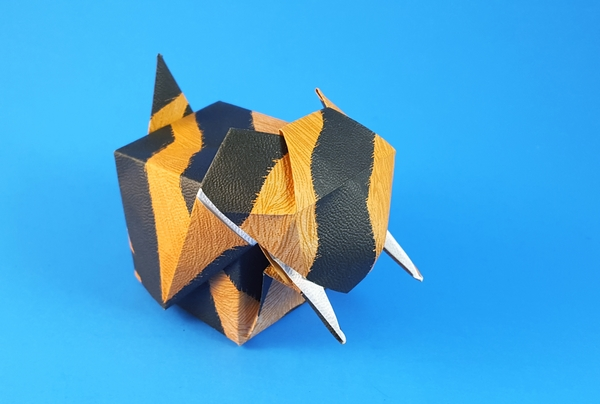 Origami Sabre tooth tiger box by Rikki Donachie folded by Gilad Aharoni