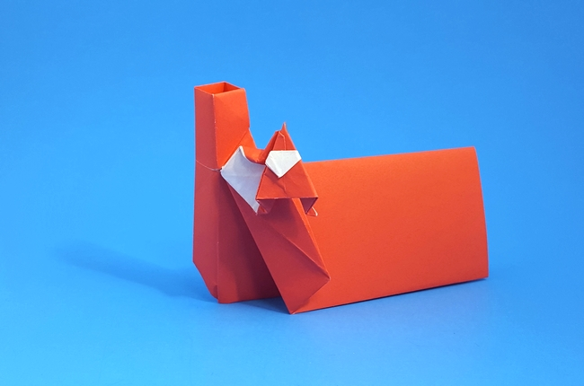 Origami Santa in chimney place card by Hans Birkeland folded by Gilad Aharoni
