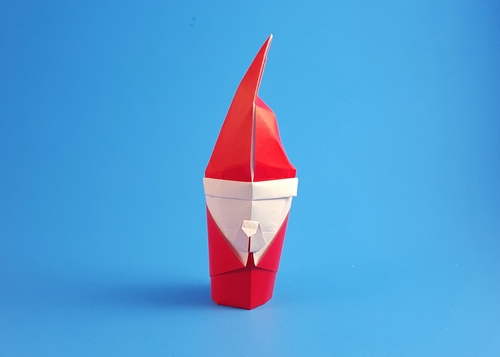 Origami Santa Claus by Cristina Lorimer Givone folded by Gilad Aharoni