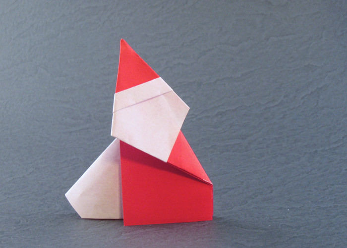 Origami Santa Claus by Matsuno Yukihiko Folded from a square of origami paper by Gilad Aharoni on giladorigami.com