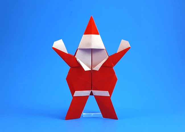 Origami Santa Claus by John Montroll Folded from a square of origami paper by Gilad Aharoni on giladorigami.com